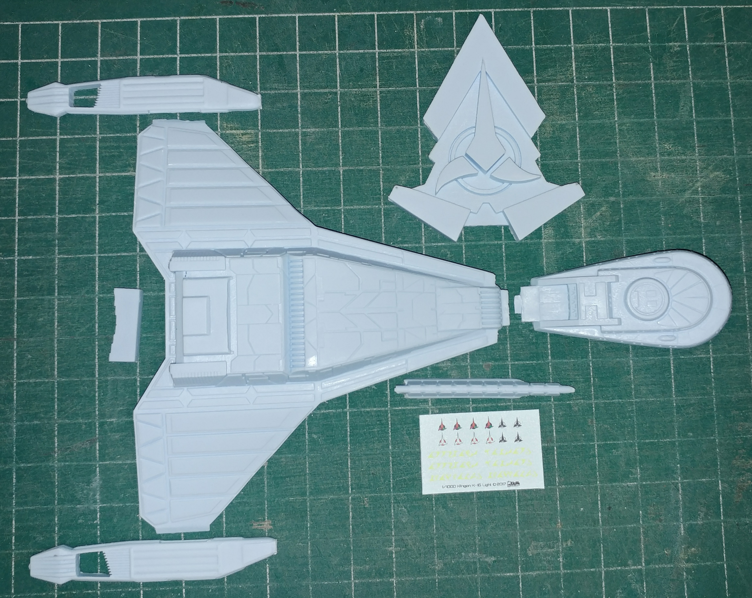 1/1000 Klingon K-15 Light Cruiser